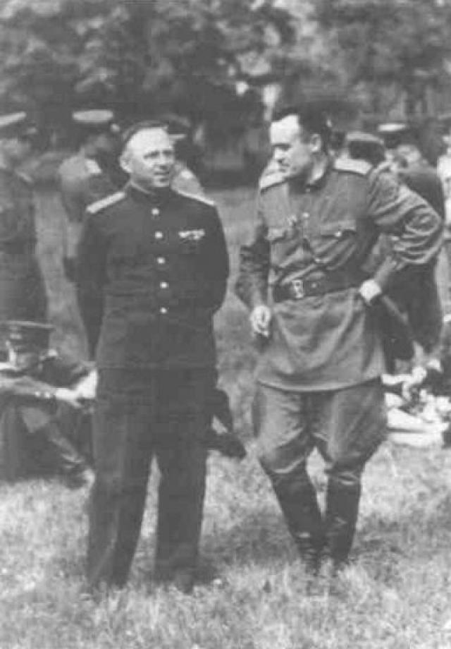 """4. На испытаниях Фау-2 Королев был в качестве водителя генерала В сентябре 1945 года ему поручают очередную """"миссию"""" – отправиться в Германию для изучения баллистической ракеты Фау-2. На испытания немецкой ракеты, которые организовали англичане для союзников, Королев отправляется в качестве водителя одного из генералов."""