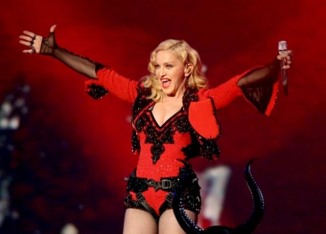 10 лет назад перед приездом Мадонны в Россию в рамках Confessions Tour православные активисты сжигали портреты звезды.