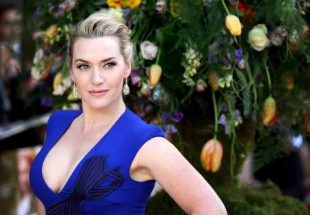 """3. Кейт Уинслет Звезде """"Титаника"""" не раз доводилось играть женщин, сильных духом, но оказывается, что она довольно крепка еще и телом. И не только на экране."""