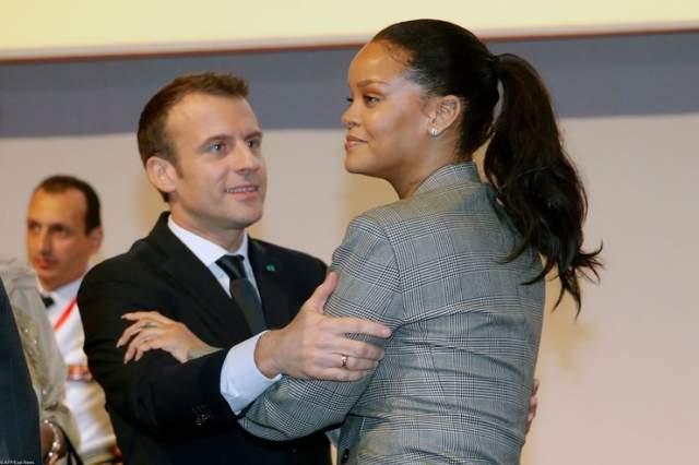 Рианна и Эммануэль Макрон. Американская звезда в феврале 2018-го встретилась с президентом Франции как представитель своего благотворительного фонда. Макрон пожертвовал 200 млн евро, добавив, что образование — это единственная возможность борьбы с экстремизмом.