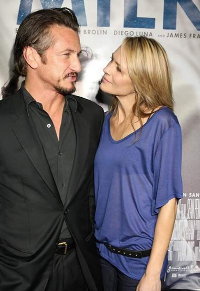 """Робин Райт и... Шонн Пенн. Красавица из """"Санта-Барбары"""" была знакома с бывшим мужем Мадонны еще с 80-х, но в 90-х у них все-таки начался роман - на площадке фильма """"Состояние исступления""""."""