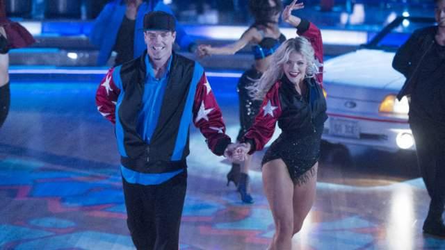 """В последние годы Vanilla Ice можно увидеть на ТВ - к примеру, в """"Танцах со звездами"""". Впрочем, полученных за хит денег ему хватит еще надолго: в 2017-м состояние рэпера оценили в 20 млн долларов."""