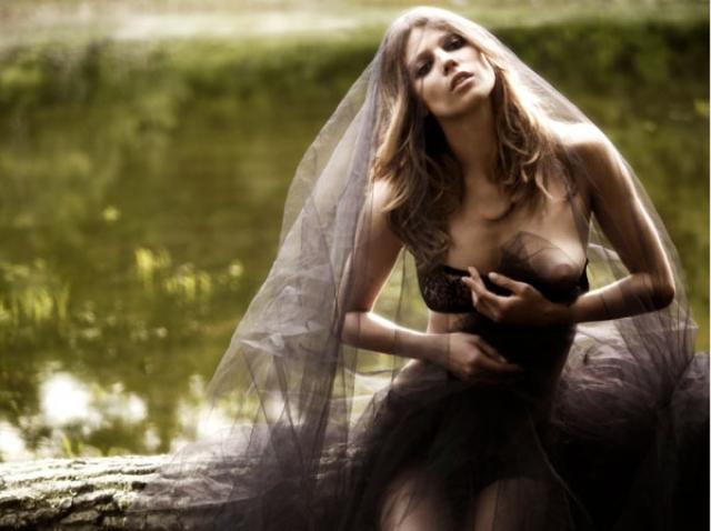 Маша была участницей модельных дефиле многих именитых дизайнеров, снималась для обложек зарубежных глянцевых журналов, принимала участие в съемках клипов.