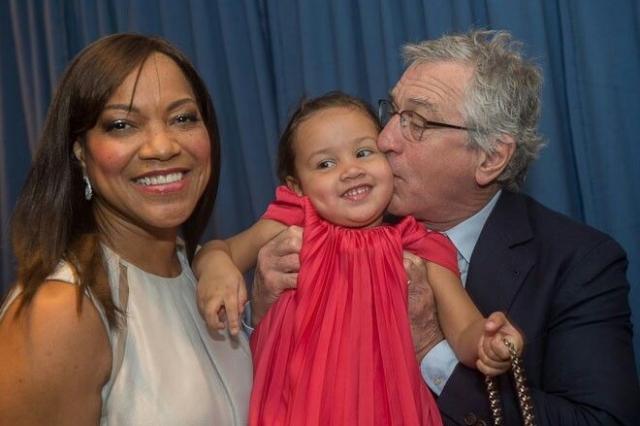 Роберт Де Ниро снова стал отцом в 68 лет, когда родилась дочка Хелен Грейс.