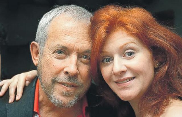 С 2013 года престарелый рокер состоит в отношениях с певицей Марией Кац.