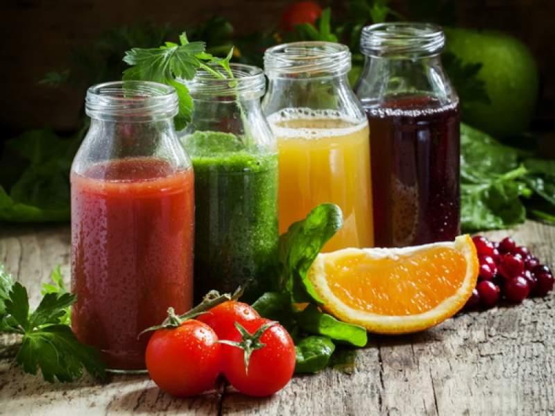 Новости дня: Ученые предупредили о смертельной опасности стакана сока в день