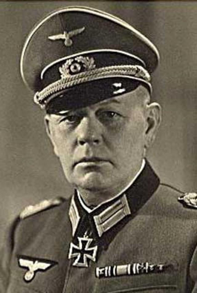 Густав Франц Вагнер. Служивший в звании обершарфюрера СС заместителем коменданта концентрационного лагеря Собибор Вагнер умудрился скрываться от правосудия до 1978 года.