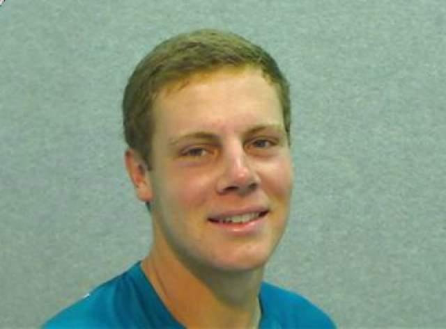 В 2010-м году Шон занимал первую позицию рейтинга США среди теннисистов до шестнадцати лет. С 2012 года боролся с редкой формой рака костей - саркомой Юинга, но болезнь победила.