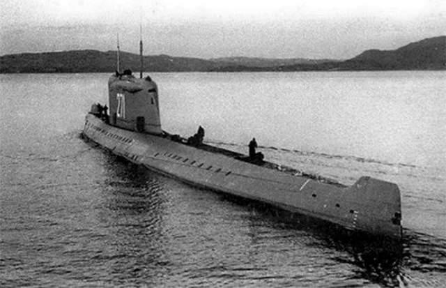 """Авария К-19 Ровно полвека назад произошла первая авария на атомной субмарине К-19, которую позже моряки прозвали """"Хиросима"""". Хотя судно уцелело и было позже отремонтировано, его экипаж получил большую дозу облучения, а восемь матросов погибли в муках от лучевой болезни."""