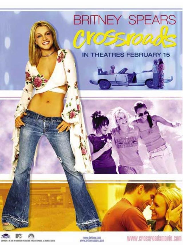"""Вскоре ее дебют в кино все же состоялся: она исполнила главную роль в фильме """"Перекрестки"""", выпущенном в 2002 году."""