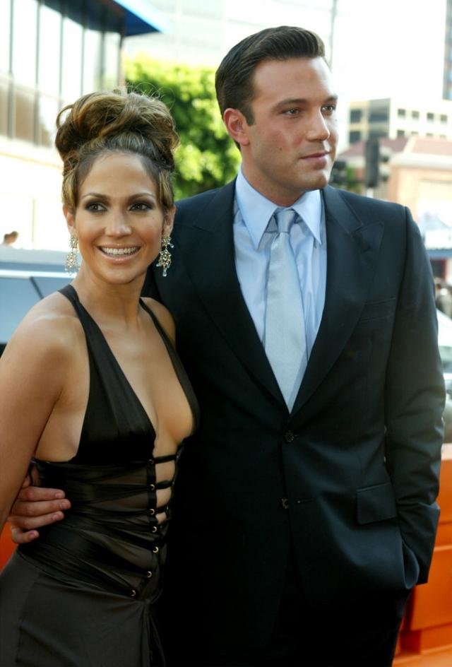 Бен Аффлек и Дженнифер Лопес. Звезды считались одной из самых знаменитых пар начала 2000-х.