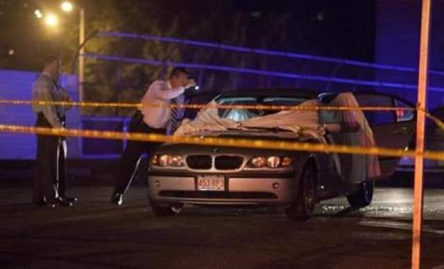 """Годом ранее в июле 2012 года Эрнандес в компании своих друзей отдыхал в одном из ночных клубов Бостона. Футболист повздорил с двумя посетителями и спустя некоторое время оба были застрелены в собственной машине. """"Кадиллак"""" Эрнандеса видели в районе, где произошло убийство."""