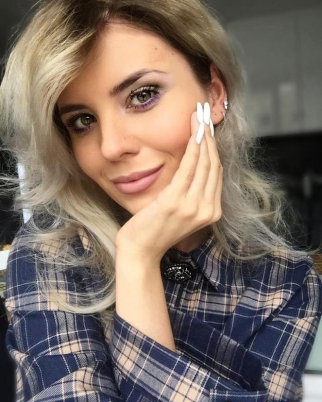 Анна Шульгина. 23-летняя дочь Валерии и ее первого супруга Александра Шульгина в свои годы уже стала актрисой театра и кино, певицей, моделью и телеведущей.