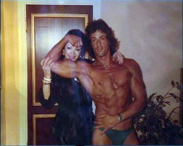 Гордая мама Сильвестра Сталлоне с мускулистым сыном.