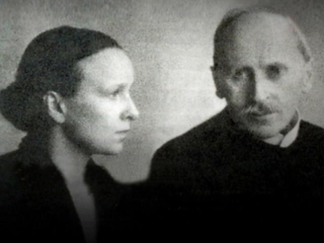 """Французский роман Кудашевой начался с переписки. В 1922 году она прочитала """"Жана-Кристофа"""" и послала автору восторженное письмо на французском языке. Ромен Роллан был тронут, ответил..."""