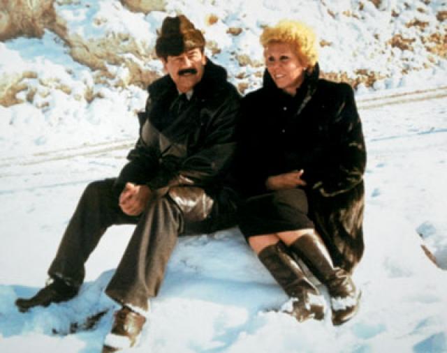 Ну а поскольку в Ираке разрешено многоженство, Саддам взял на борт еще двоих девушек, и у него родились пятеро детей, из них два сына, Удай и Кусай. Он был счастлив в браке вплоть до своей смерти в 2006 году.