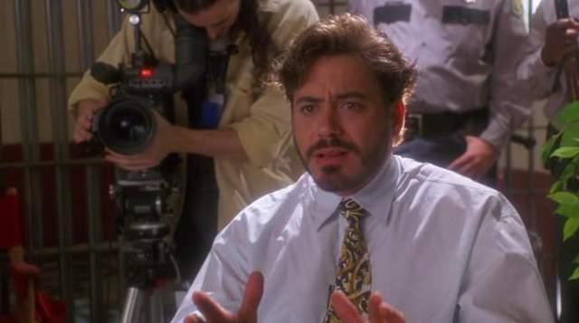"""В начале 1990-х он неоднократно появлялся в кассовых проектах - достаточно вспомнить телесериал """"Эйр Америка"""" или """"прирожденных убийц"""". Но вслед ща ними последовали серьезные проблемы в жизни актера - наркотическая зависимость переросла в реальный тюремный срок."""