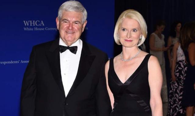 """""""От имени своей жены, а также от имени Карен Санторум и Энн Ромни, я заявляю, что страна готова к новой первой леди, но Де Ниро не должен говорить об этом в расистских высказываниях"""", – заявил Гингрич."""