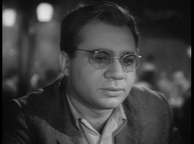 Кроме съемок в обнаженном виде в 70-е годы Леонов стал одним из первых актеров, снявшихся в рекламе, что привело к большому скандалу в театре.