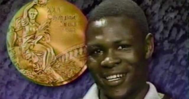 22 июля 1994 года Роберт предпринял очередную попытку приблизиться к бою за звание чемпиона. По истечении девяти неполных раундов Вангила был настолько избит американцем Дэвидом Гонсалесом, что рефери Джо Кортез вынужден был прекратить бой. Несмотря на отчаянные протесты беспечных секундантов Роберта, желающих продолжения, Вангила сумел самостоятельно покинуть ринг, но уже в раздевалке впал в кому. Через 36 часов было объявлено о его смерти.