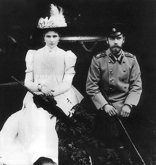"""Их встречи продолжались три года, став сюжетом скандального ныне фильма """"Матильда"""". Вскоре Николай получил благословение на брак с Алисой и расстался с балериной."""