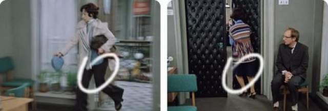Секретарша приезжает на работу в штанах, но в следующей сцене она уже в юбке.