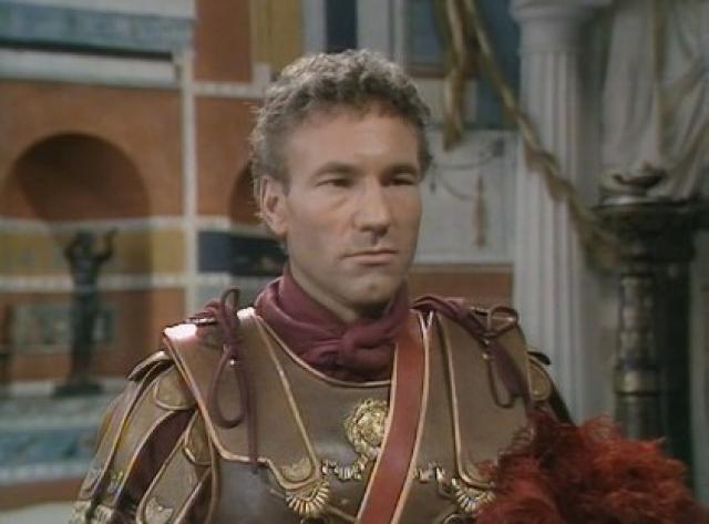 """Патрик наиболее известен за свою роль капитана Жана-Люка Пикара в сериале """"Звездный путь: Следующее поколение""""."""