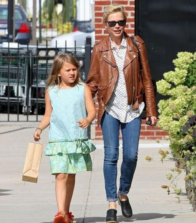 Мишель некоторое время встречалась с актером Джейсоном Сигелом, но пара рассталась в начале февраля 2013 года. Сейчас Мишель растит дочку, которая очень похожа на отца, и планирует начать съемки документального фильма о Хите.