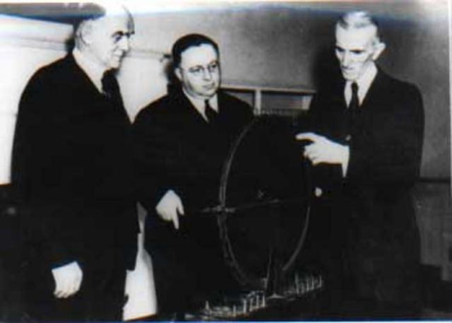 Посол Югославии в США Сава Косанович (приходившийся племянником Тесле), посетил его 5 января и договорился о встрече. Он был последним, кто общался с Теслой.