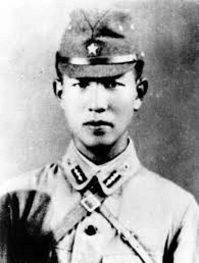 Во время Второй мировой войны японский офицер Хирро Онода сражался против союзных войск на филиппинском острове Лубанг .