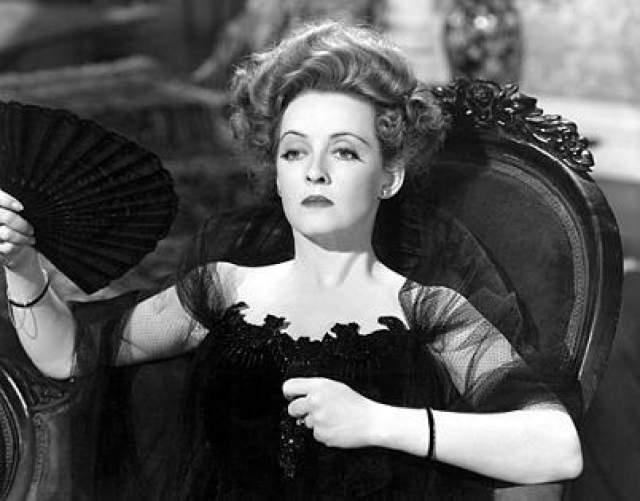 """Бетт Дэвис, """"Двойник"""" (1964). В этой драме героиня Дэвис убивает более удачливую в личной жизни сестру, чтобы убедиться в том, что чужая личность счастья не приносит."""