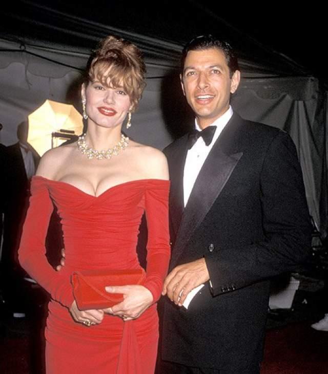 Джина Дэвис и Джефф Голдблюм, 1987-1990. У Дэвис никогда не получалось построить семью. Она четырежды была замужем и четырежды разводилась. Голдблюм был у нее вторым.