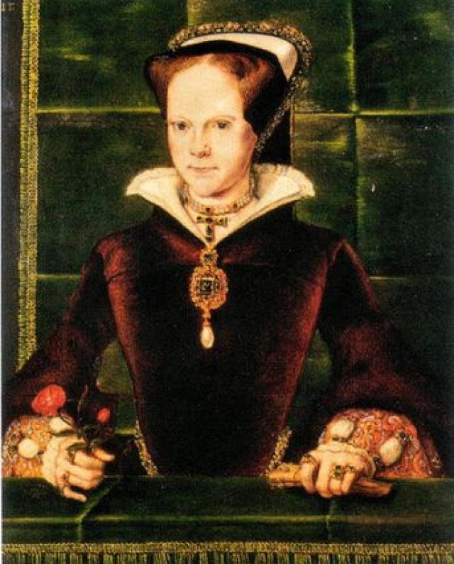 Жемчужина была найдена в 1500-х годах в Панаме и была подарена Филиппом II, королем Испании,его жене, Марии Тюдор. Тейлор заказала компании Картье переделку ожерелья, чтобы они добавили в него алмазы, рубины и дополнительные жемчужины.