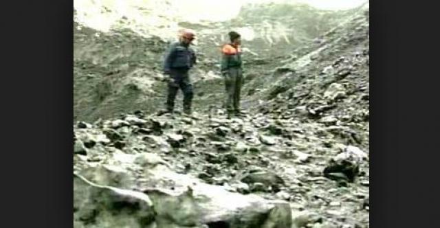 ...Сначала искали живых и погибших в жиже – это селевая масса, которая спустилась в Кармадонское ущелье. Было найдено только два живых человека, остальные – погибшие или фрагменты тел…