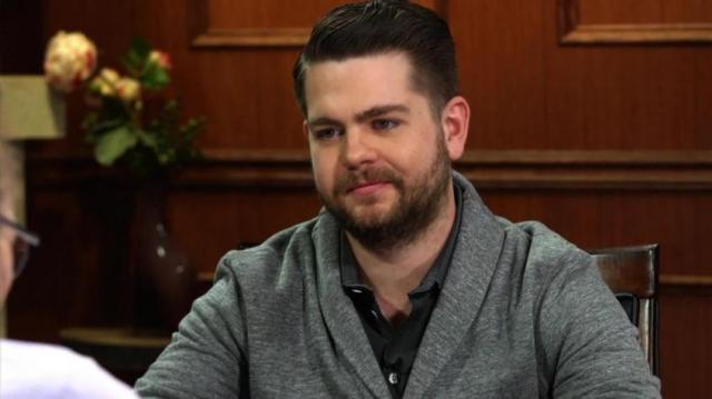 Джек Осборн. Несколько лет назад молодому актеру и кинопродюсеру, сыну Оззи Осборна, поставили диагноз - рассеянный склероз, после того, как он потерял 60 процентов зрения на правом глазу.