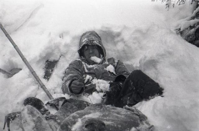 5 марта неподалеку, под слоем снега 15-20 см, был найден труп Рустема Слободина. Он также был тепло одет, на правой ноге был валенок, надетый на четыре пары носков, валенок для левой ноги был обнаружен в палатке. На лице Рустема был ледяной нарост и признаки кровотечения из носа.