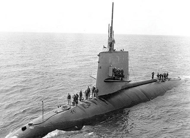 """21 мая 1968 года атомная подводная лодка """"Скорпион"""" , находившаяся около Азорских островов, сообщила на базу в Норфолке свои координаты."""