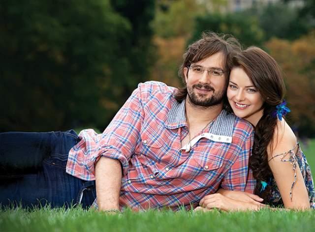 Сейчас она замужем за режиссером Андреем Болтенко, с которым они воспитывают двоих детей.
