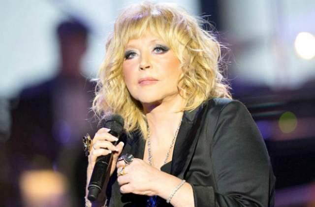 Примадонна последние годы редко появляется на сцене, но ради коллеги и своего друга - Ильи Резника, Алла Борисовна сделала исключение и в апреле 2018 года выступила на концерте, посвященном его юбилею.