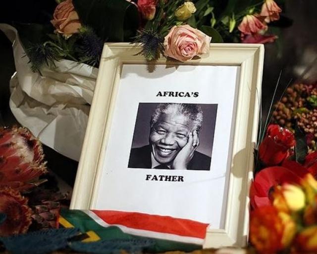 В 1999 году он оставил пост президента ЮАР и проявил активное участие в борьбе против СПИДа. Нельсон Мандела умер 5 декабря 2013 г.