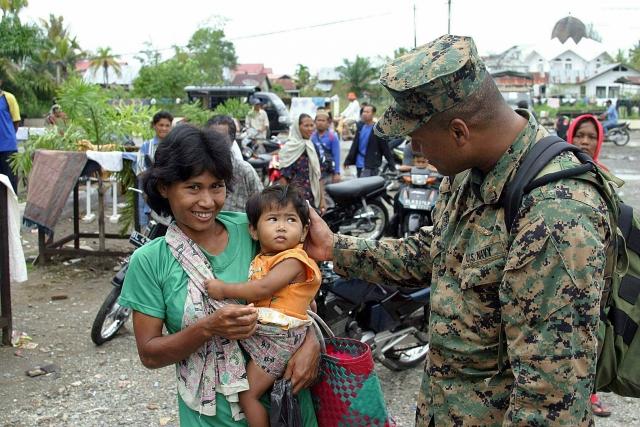 Правительства многих стран мира высылали человеческие и материальные ресурсы в помощь потерпевшим.
