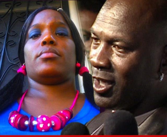 В 2006 году его бывшая любовница в судебном порядке потребовала от Майкла $5 млн, заявляя что она родила от него ребенка. В 2010 году другая женщина подала на спортсмена такой же иск.