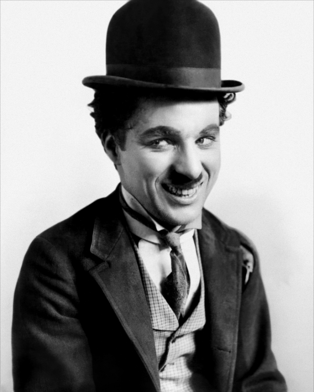 Чарли Чаплин. После пропажи гроба с телом легендарного Чаплина его родственники получили от грабителей могил анонимную записку с требованием заплатить 650 000 долларов за возвращение усопшего.