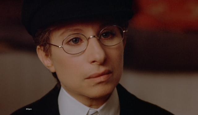 """Барбра Стрейзанд. Актриса, которой был 41 год, взялась за главную роль в фильме """"Йентл"""". Ее героине, еврейской девушке, переодевающейся в юношу по сюжету всего 17 лет."""
