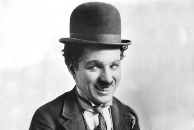 В 1954 году Чаплин был награжден советской Международной премией Мира.
