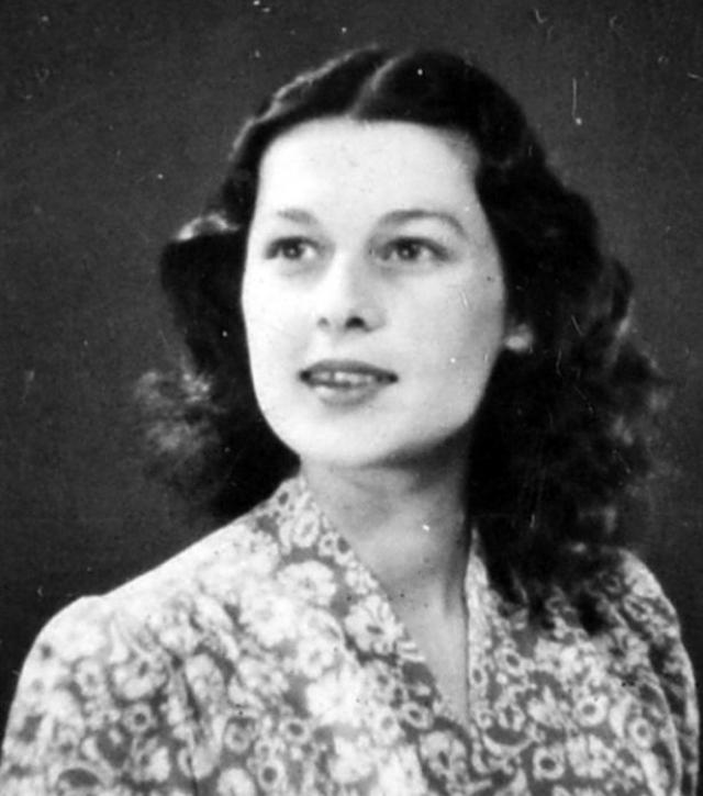 Смерть мужа была еще одной причиной, по которой девушка присоединилась к Special Operations Executive (SOE). Она отлично говорила по-французски, так как родилась в Париже и провела там свое детство.