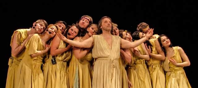 """""""Иисус Христос - суперзвезда"""" Музыка для произведения была написана легендарным Эндрю Ллойд Вебером, а Тим Райс создал либретто. Изначально планировалось создать полноценную оперу, с использованием современного музыкального языка и всех соответствующих традиций - должны были присутствовать арии главных героев. Отличие данного мюзикла от традиционных в том, что тут нет драматических элементов, все основано на речитативах и вокале."""