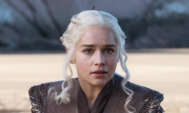 Во время съемок второго сезона звезда перенесла три операции на мозге и инсульт. В 2011 году актрисе диагностировали субархноидальное кровоизлияние - при такой разновидности инсульта из-за разрыва аневризмы сосуда кровь скапливается между оболочками мозга.