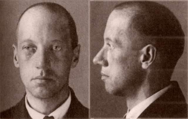"""3 августа 1921 года был арестован по подозрению в участии в заговоре """"Петроградской боевой организации В.Н.Таганцева"""". Несколько дней товарищи пытались выручить друга, но не смотря на это, вскоре поэт был расстрелян."""
