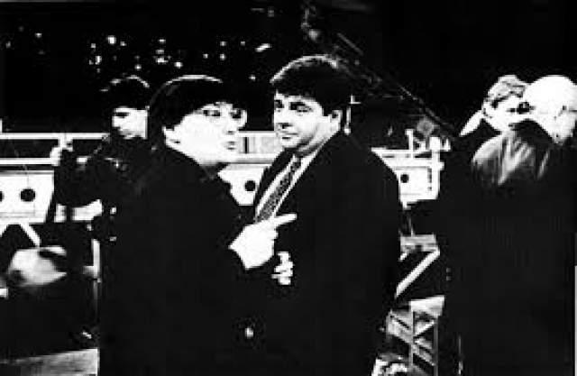 """В 1987 году его и пригласили одновременно с Любимовым, Листьевым и Захаровым на Центральное телевидение, чтобы они работали над """"Взглядом"""". Вакуловский вел первые два выпуска программы."""